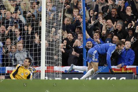 Andriy Schevchenko (Chelsea) turns to celebrate as Darren Ward (Sunderland goalkeeper) looks dejected Chelsea Vs Sunderland Barclays Premier League Stamford Bridge 08/12/2007