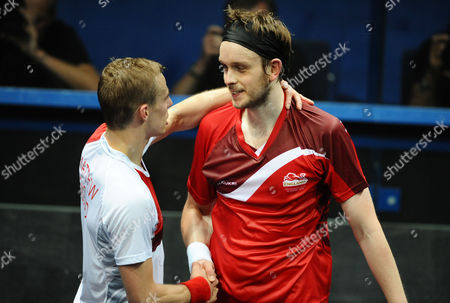 Squash - 2014 Glasgow Commonwealth Games - Day Five Men's Singles Final: Nick Matthew (England) vs James Willstrop (England) Matthew left shakes hands with Willstrop after winning the match at Scotstoun Sports Campus