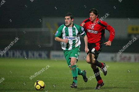 Gareth Williams (Blyth Spartans) and Darren Anderton (Bournemouth) AFC Bournemouth vs Blyth Spartans at Dean Court Bournemouth FA Cup sponsored by E ON 2nd Round 29/11/2008 England London