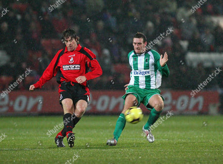 Darren Anderton (Bournemouth) and Chris McCabe (Blyth Spartans) AFC Bournemouth vs Blyth Spartans at Dean Court Bournemouth FA Cup sponsored by E ON 2nd Round 29/11/2008 England London
