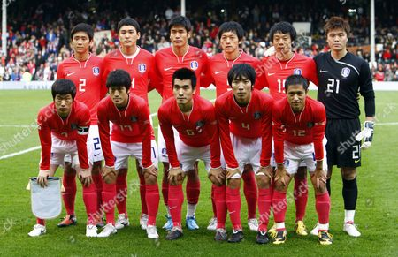 Football Left to Right Back Row:- Oh Beom-Seok Cho Yong-Hyung Seol Ki-Hyeon Kim Nam-Il Yeom Ki-Hoon and Kim Young-Kwang of Korea Republic Left to Right Front Row:- Park Ji-Sung Lee Chung-Yong Cho Won-Hee Cho Yong-Hyung and Lee Young-Pyo of Korea Republic International Friendly: Korea Republic v Serbia at Craven Cottage 18/11/2009