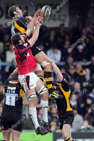 Simon Shaw (London Wasps) jumps with Chris Jack (Saracens) London Wasps Vs Saracens Guiness Premiership Adams Park High Wycombe 20/12/08
