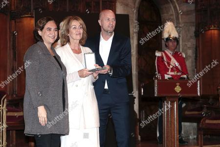 Ada Colau, Danny Cruyff and Jordi Cruyff attend the Golden Medal of Merit for Johan Cruyff Event