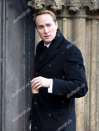 Oliver Chris plays Prince William