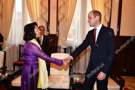 State Vice President Dang Thi Ngoc Thinh and Prince William at the Presidential Palace in Hanoi