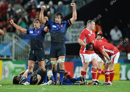Wales v France ; Auckland; RWC semi final The Final whistle : Julien Pierre and Dimitri Szarzewski - France celebrate victory