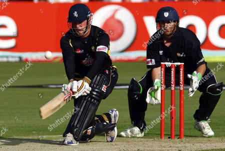 Editorial picture of T20 QF: Kent bt Durham 56r - 27 Jul 2009