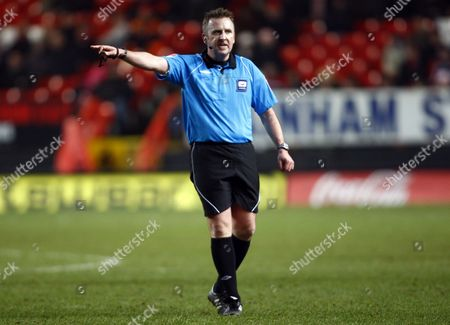 Football Referee J Moss Coca-Cola Football League One Charlton Atheltic Vs Leyton Orient at The Valley 25/01/2010
