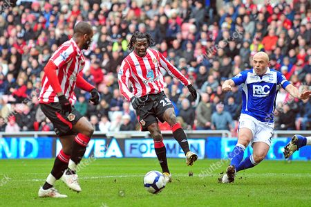Football Barclays Premier League Sunderland vs Birmingham City at the Stadium of Light The ball comes off Benjani Mwaruwari (Sunderland) and falls nicely for Darren Bent (Sunderland) to get his first of the game 20/03/2010
