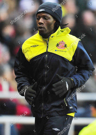 Football Barclays Premier League Sunderland vs Wigan Athletic at the Stadium of Light Benjani Mwaruwari (Sunderland) warms up 06/02/2010