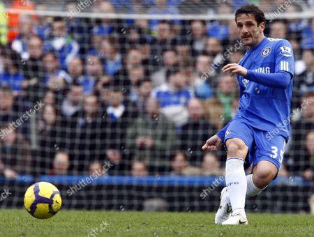 Football Chelsea's Brazilian footballer Juliano Belletti Barclays Premier League Chelsea v Manchester City at Stamford Bridge 27/02/2010