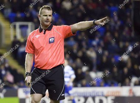 Football: Referee Kevin Wright Coca Cola Championship Reading v Derby County Madjeski Stadium 10/03/2010 Credit