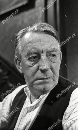 Wilfred Pickles (as Jontie Barrett)