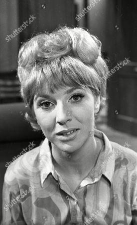 Fiona Walker (as Sheila Lunn)