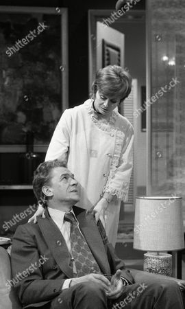 Paul Scofield and Isabel Dean
