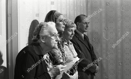 Madoline Thomas (as Granny), Zoe Wanamaker (as Alice) and Mary Chester (as Mother), with John Moore (as George)