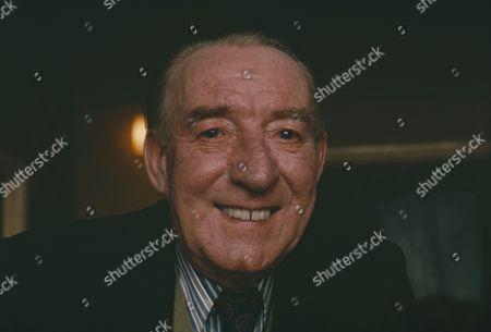 Wilfred Pickles (as Bernard King)