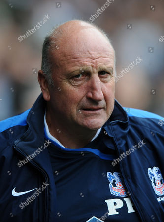 Football - Championship - Sheffield Wednesday vs Crystal Palace Paul Hart Manager of Crystal Palace looks pensive before kick off at Hillsborough Sheffield