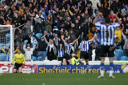 Football - League One - Sheffield Wednesday vs AFC Bournemouth Wednesday's Neil Mellor celebrates his goal at Hillsborough