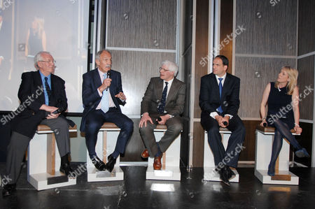 Rugby Union - Lord's Taverners Tribute Dinner to The Winning British Lions - Grange Tower Bridge Hotel Guest speakers : L to R John Dawes (Wales) Roger Uttley (England) Finlay Calder (Scotland) Martin Johnson (England) Jill Douglas - Commentator