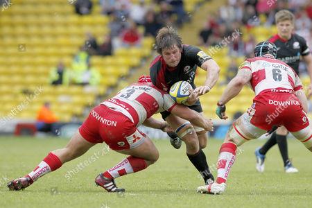 Rugby Union - AVIVA Premiership Play-Off - Saracens vs Gloucester Gloucester's Paul Doran-Jones tackles Ernst Joubert of Saracens at Vicarage Road