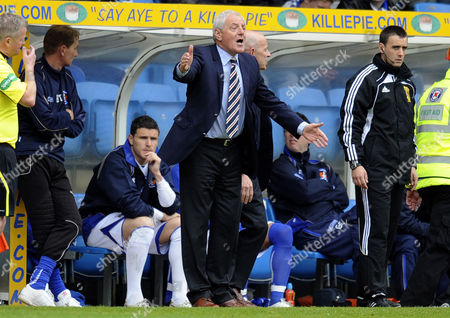 Football - Scottish Premier League - Kilmarnock vs Rangers Walter Smith (Rangers manager) at Rugby Park