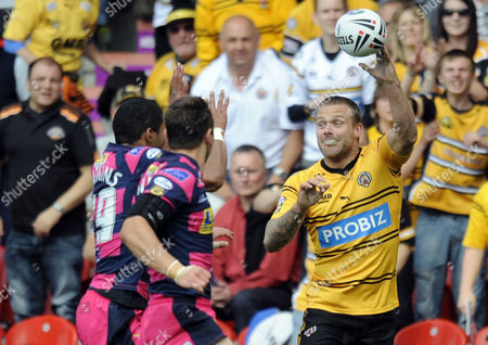 Rugby League - Challenge Cup Semi-Final - Castleford vs Leeds Nick Youngquest (Castleford Tigers) at Keepmoat Stadium