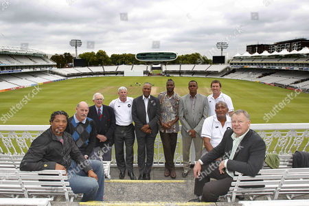 Cricket - The Lord's Taverners Fast Bowlers Dinner - Photo Call Makhaya Ntini Clive Rice Alan Davidson Sir Richard Hadlee Colin Croft Curtly Ambrose Courtney Walsh Glenn McGrath Andy Roberts and Mike Procter at Lord's Cricket Ground