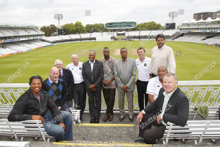 Cricket - The Lord's Taverners Fast Bowlers Dinner - Photo Call Makhaya Ntini Clive Rice Alan Davidson Sir Richard Hadlee Colin Croft Curtly Ambrose Courtney Walsh Glenn McGrath Andy Roberts Mike Procter and Kapil Dev at Lord's Cricket Ground
