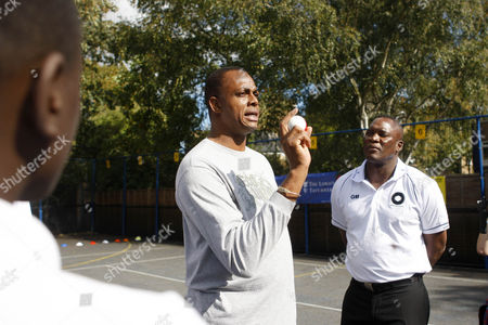 Cricket - Lord's Taverners fast bowlers - School Kids training session Legendary cricket fast bowlers Makhaya Ntini Sir Richard Hadley Curtly Ambrose Courtney Walsh Glen McGrath and Andy Roberts join a cricket training session with the boys at Archbishop Tenison's School Kennington