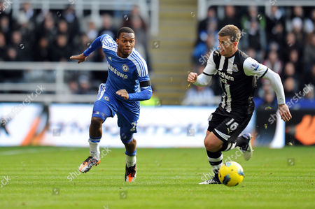 Football - Premier League - Newcastle United vs Chelsea Ryan Taylor (Newcastle United) watches as Daniel Sturridge (Chelsea) sets off at St James' Park UK