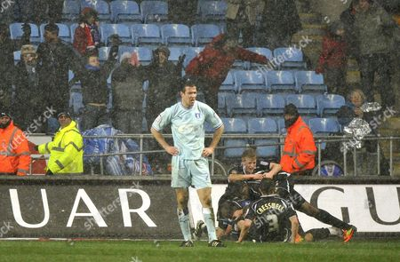 Football- Championship- Coventry City v Ipswich Town Ipswich celebrate there 3rd goal scored by Michael Chopra