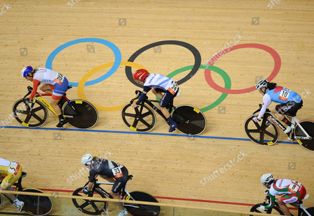 London Olympics 2012 Track Cycling : Cycling Womens Omnium flying lap 06/08/2012 Laura Trott - GBR (centre) Clara Sanchez (France) - Front Tara Whitten (Canada)