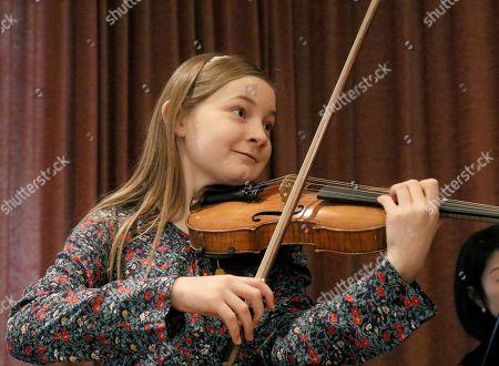 Alma Deutscher Alma Deutscher plays violin during a rehearsal in Vienna, Austria