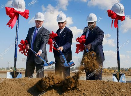 Stock Photo of Roger Goodell, Stan Kroenke, James T. Butts Jr NFL Commissioner Roger Goodell, left, joins Los Angeles Rams owner Stan Kroenke, center, and Inglewood Mayor James T. Butts Jr. during groundbreaking ceremonies for the team's new stadium in Inglewood, Calif
