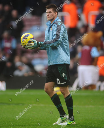 Football - 2012 / 2013 Premier League - West Ham United vs Everton Raphael Spiegel - West ham goalkeeper at Upton Park