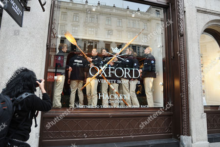 Rowing - 2014 BNY Mellon Boat Race & Newton Women's Boat Race Crew Announcement & Weigh-In - BNY Mellon Centre London The Men's Oxford team Pose in the Shop window of Hackett in Regent street London  OXFORD Position Name Weight (kg) Bow: Storm Uru ? 80 4kg 2: Chris Fairweather ? 85 4kg 3: Karl Hudspith ? 91kg 4: Thomas Swartz ? 81 2kg 5: Malcolm Howard ? 108 2kg 6: Michael DiSanto ? 89 2kg 7: Sam O?Connor ? 88 8kg Stroke: Constantine Louloudis ? 93 6 Cox: Laurence Harvey ? 54 8kg