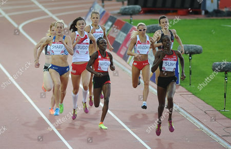 Athletics - 2014 Glasgow Commonwealth Games - Day Nine Women's 800m Final Kenya's Eunice Jepkoech Sum leads the field on the way to winning the gold medal with Scotland's Lynsey Sharp (left; silver) England's Jessica Judd and Jenny Meadows and Uganda's Winnie Nanyondo (bronze) behind at Hampden Park