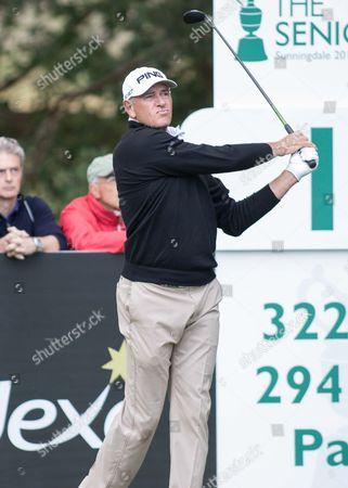 Golf - 2015 Senior Open Championship - Sunningdale Golf Club Peter Fowler watches his tee shot at Sunningdale Golf Club  GBR Ascot