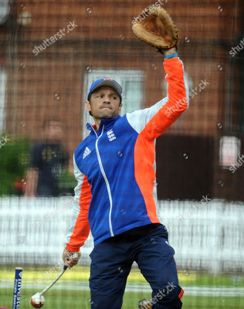 Cricket - 2015 New Zealand Tour of England - Pre First Test at Lords England coach Mark Ramprakash working with the players in the nets