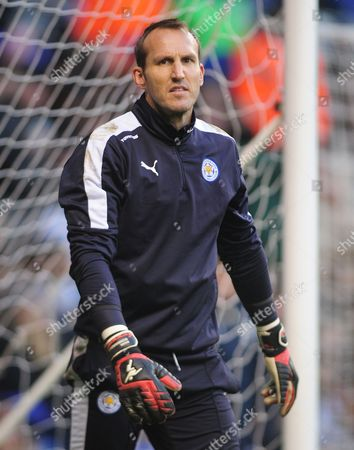 Football - 2015 / 2015 FA Cup - Third Round: Tottenham Hotspur vs Leicester City Mark Schwarzer of Leicester City at White Hart Lane