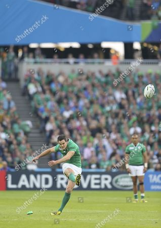 Rugby Union - 2015 Rugby World Cup - Pool D: Ireland vs Italy Ireland's Jonathan Sexton attempts a shot on goal at the Olympic Stadium Queen Elizabeth Park Stratford /KEN SUTTON England London