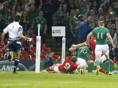 Rugby Union - 2015 Rugby World Cup - Pool D: Ireland vs Canada Jonathan Sexton of Ireland scores a try at the Millennium Stadium Cardiff  UK cardiff