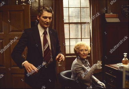 Timothy Carlton (as Richard Cresswell) and Doris Speed (as Annie walker)