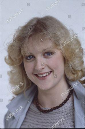 Janette Beverley (as Elaine Pollard)