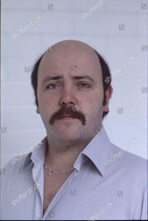 Nick Stringer (as Frank Harvey)