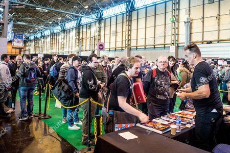 Sam J Jones (Flash Gordon) meets fans