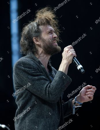 Edward Sharpe and the Magnetic Zeros, Alex Ebert Alex Ebert, lead singer the U.S. band Edward Sharpe and the Magnetic Zeros, performs at the Corona Capital music festival in Mexico City