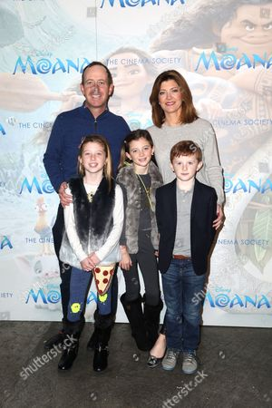 Geoff Tracy, Norah O' Donnell and children