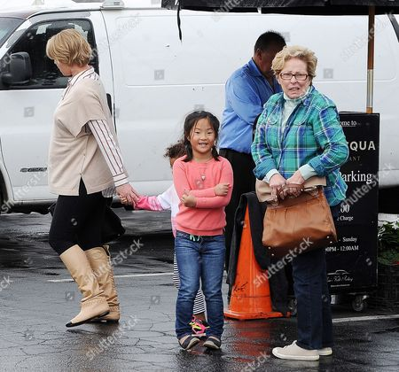 Stock Picture of Katherine Heigl, Naleigh Kelley, Adalaide Kelley